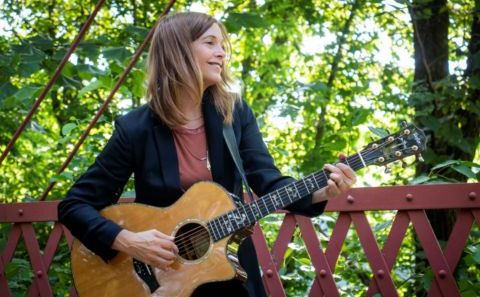Carrie Newcomer Concert, Overnight Lodging AND Writing Workshop